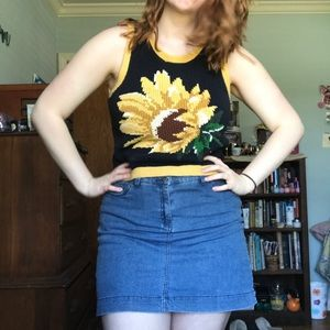 Vintage Tops - Vintage sunflower sweater vest!